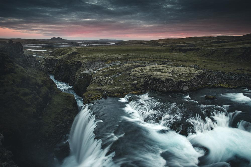Photographie chute d'eau Islande et coucher soleil